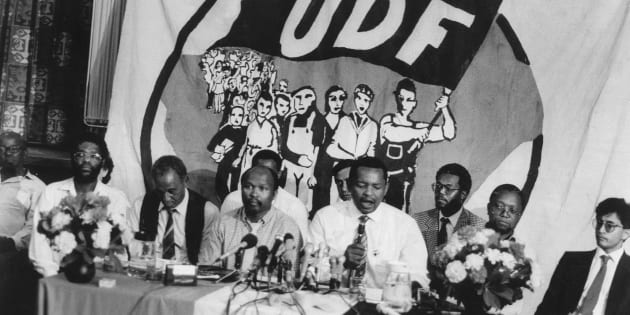 4 February 1990: UDF leaders addressing the media a press conference in Cape Town. From left to right: Archie Gumede, Murphy Morobe, Terror Lekota, Moses Mayekiso and Popo Molefe.