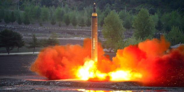 Corea del Norte asegura que puede alcanzar bases de EEUU