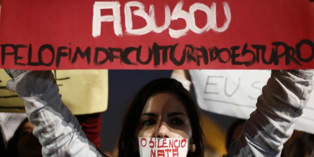 Protesto contra estupro e violência contra a mulher.