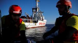 Sequestrata la nave Open arms della Ong Proactiva. Accusata di associazione a delinquere per l'immigrazione
