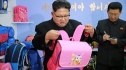 Kim Jung-Un et son sac à dos rose valent le