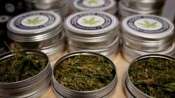 Trois gérants de boutiques parisiennes vendant un dérivé du cannabis mis en