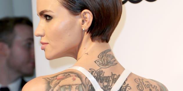 L'Australienne a plus de 60 tatouages sur le corps.