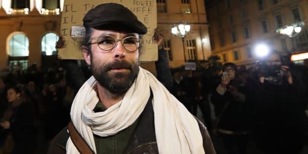 L'agriculteur Cédric Herrou quitte le tribunal correctionnel de Nice, le 4 janvier.