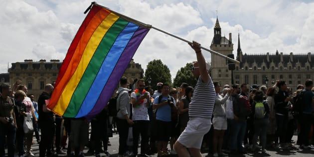 Que pensent les Français de la GPA pour les couples homosexuels et hétérosexuels?