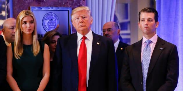 Donald Trump Jr., à droite, l'enfant terrible qui risque de coûter cher à son père.