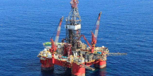 Descubren reserva petrolera de hasta 2 mil millones de barriles