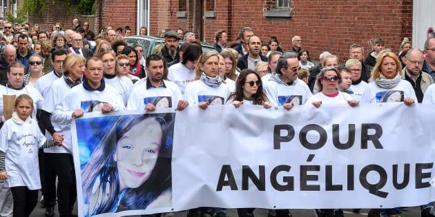 La marche du 1er mai à Wambrechies, en hommage à Angélique, 13 ans, violée et tuée le 25 avril.