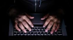 Joven, solitario, tenaz y enfadado: el perfil del pirata informático que ha puesto en jaque a