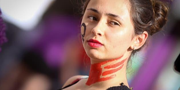 """""""24 países da América Latina preveem pena a quem autorize o casamento precoce, mas o Brasil não está entre eles."""""""
