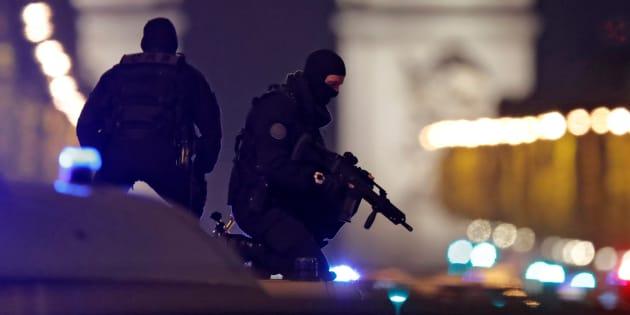 """Après l'attentat des Champs-Elysées, ma lettre ouverte à Daech: """"Vous êtes des lâches et nous n'avons pas peur de vous"""". REUTERS/Christian Hartmann"""
