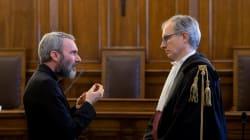 Vaticano condena a 5 años de cárcel a cura por pornografía