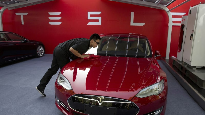 Tesla employer ratings slip as workers weather cost cuts, layoffs