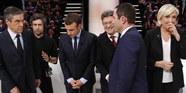 """Les cinq principaux candidats à l'élection présidentielle sur le plateau du """"Grand débat"""" organisé par TF1"""