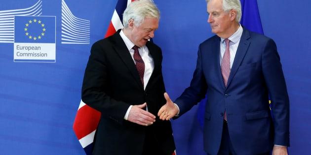 Comité para el Brexit sugiere retrasar salida de la UE