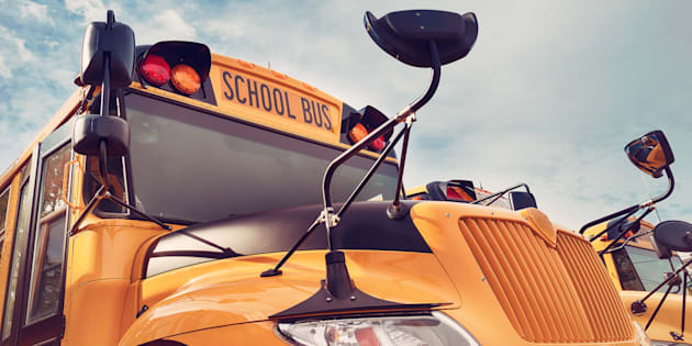 Nos écoles, centres et commissions scolaires ne peuvent pas se passer du personnel de soutien scolaire. Que ce soit pour l'entretien des infrastructures, les services de garde, le transport scolaire et bien d'autres secteurs, leur contribution est essentielle à la bonne marche quotidienne de notre système public d'éducation.