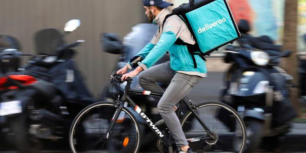 """Pourquoi les livreurs Deliveroo ou UberEats appellent à """"ne pas commander"""" jusqu'à la fin du Mondial"""