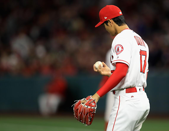 Photos appear to show injury to Shohei Ohtani's hand