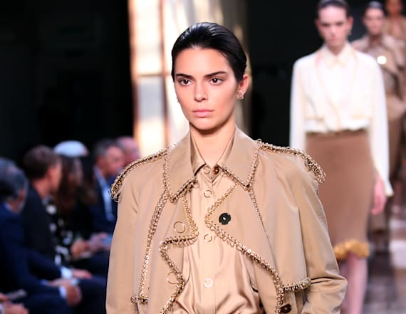 Kendall Jenner returns to runway at LFW