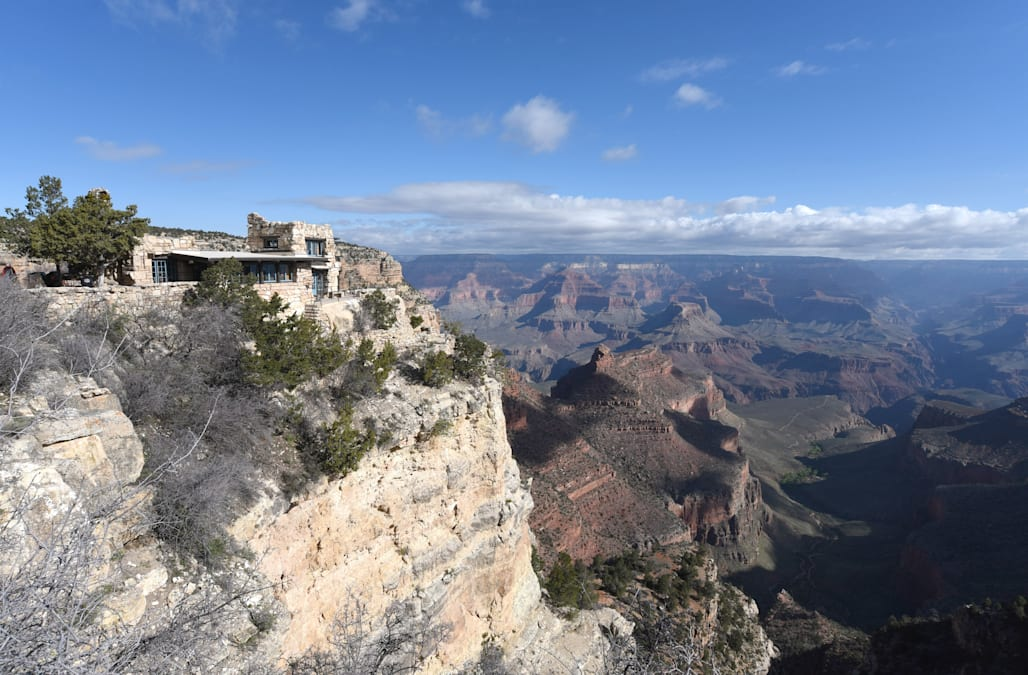 Woman Dies In Over The Rim Fall Inside Grand Canyon National