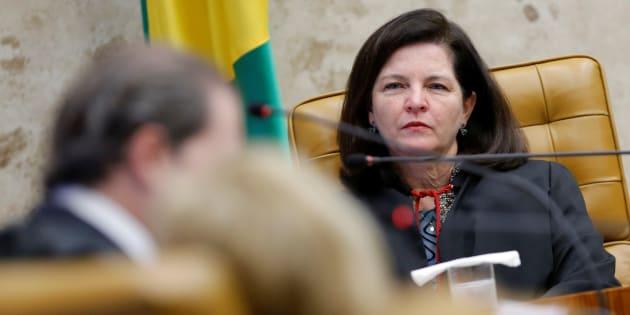 Raquel Dodge pediu abertura da investigação sobre fake news envolvendo candidatos à presidência.