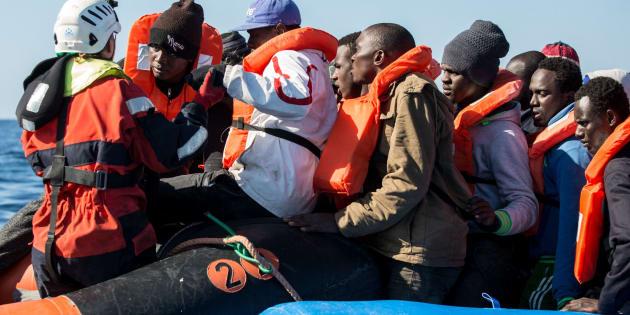 Libia, lo scontro finale e il ricatto sui migranti