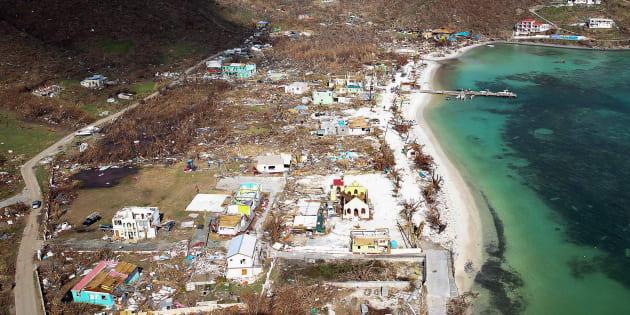 イルマの影響で建物が破壊されたイギリス領バージン諸島=9月11日