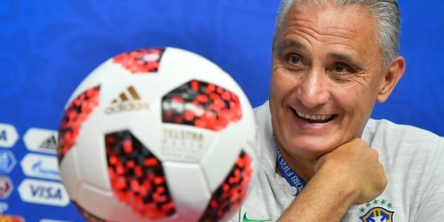 Tite tem motivos de sobra para sorrir, pois Seleção Brasileira é muito superior ao México.