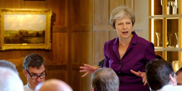 La primera ministra británica Theresa May en la residencia de campo de Ellesborough en Buckinghamshire.