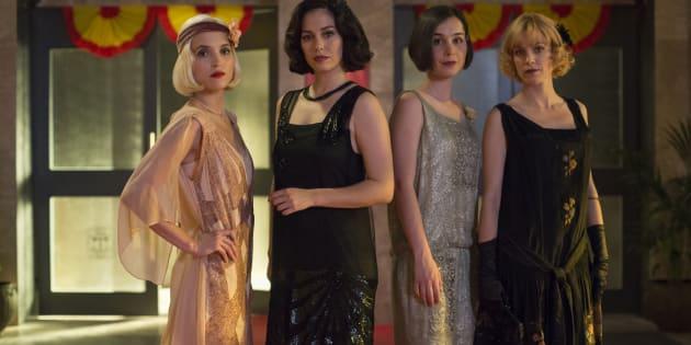 Ana Fernández, Blanca Suárez, Nadia de Santiago y Maggie Civantos, en la segunda temporada de 'Las chicas del cable'.