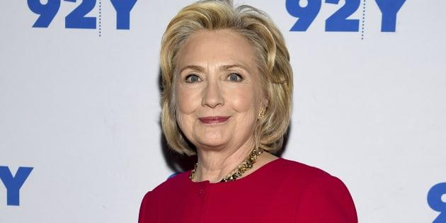 Le parcours de l'ancienne candidate à la Maison Blanche, Hillary Clinton, ici photographiée à New York le 26 octobre dernier, sera bien étudié par les écoliers du Texas.