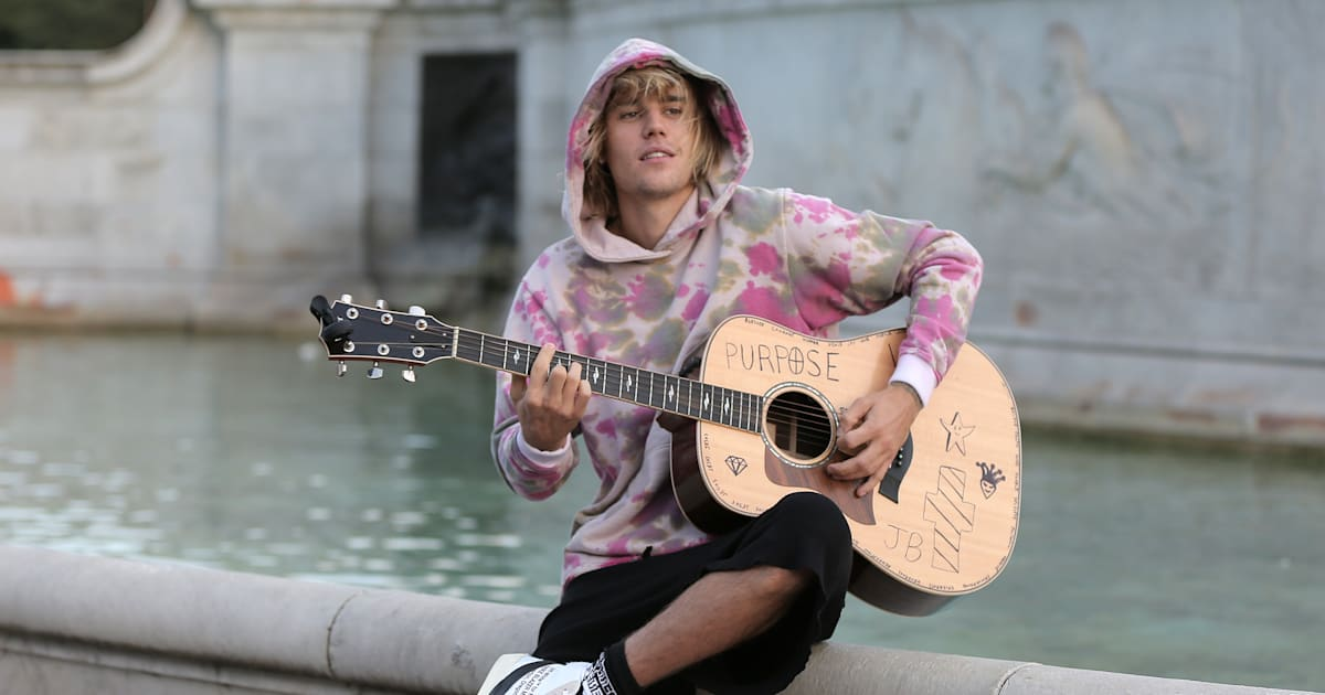 Justin Bieber Proclaims Love For Hailey Baldwin With Serenade In London