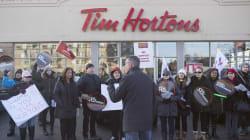 Les manifestants appellent le siège social de Tim Hortons à