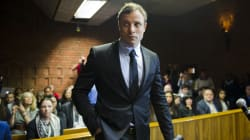 El campeón paralímpico Pistorius se pelea en prisión por exceder el tiempo para hablar por