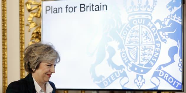Les menaces voilées du discours de Theresa May sur le Brexit