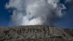 Logran descender algunos de los 500 montañistas que se quedaron atrapados en un volcán tras el terremoto de