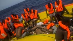 Gli scatti durissimi sul dramma dei migranti (censurati da
