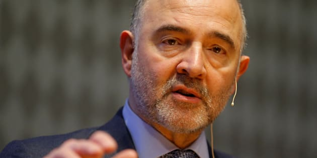 European Economic and Financial Affairs Commissioner Pierre Moscovici delivers a keynote speech ahead of an Austrian National Bank panel discussion in Vienna, Austria, February 16, 2017. REUTERS/Heinz-Peter Bader