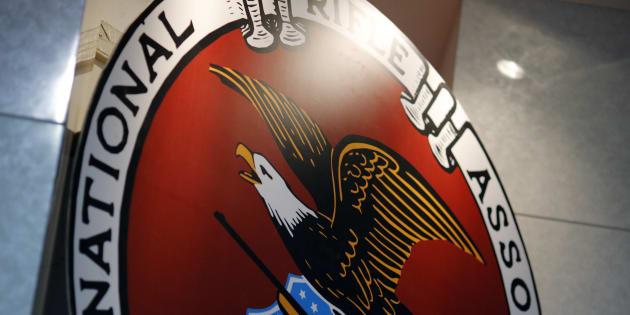 La NRA veut empêcher la Floride de passer à 21 ans l'âge minimum pour acheter une arme.