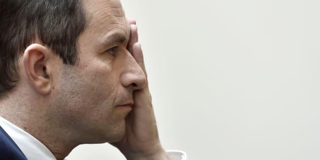 """Hamon ne """"s'attendait pas"""" à """"autant de trahisons"""" chez les socialistes"""