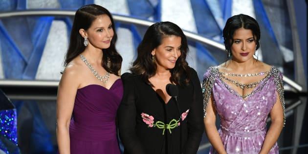 Ashley Judd, Annabella Sciorra and Salma Hayek fazem manifesto contra assédio no entretenimento.