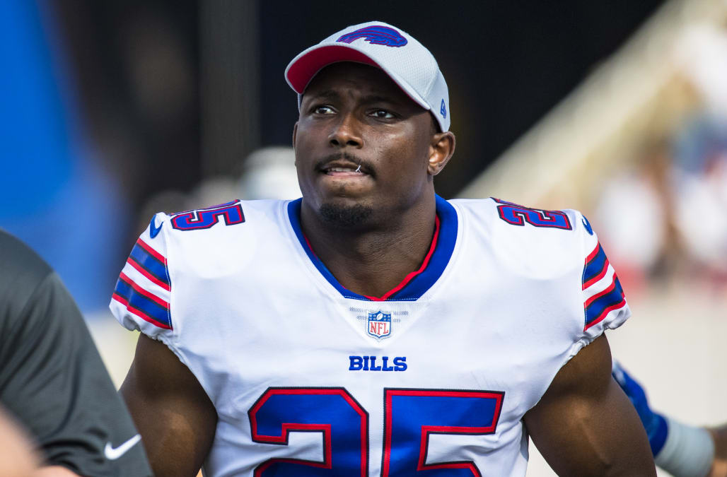 13d0e17e0 LeSean McCoy remains eligible to participate in the Buffalo Bills  season  opener and has not been named to the commissioner s exempt list in  connection with ...
