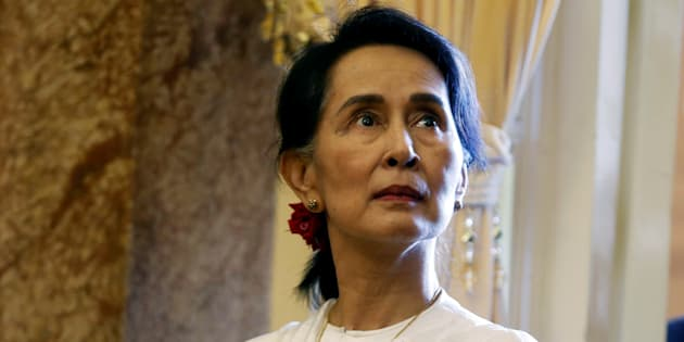 Canadian MPs have voted to revoke Myanmar leader Aung San Suu Kyi's honorary Canadian citizenship.