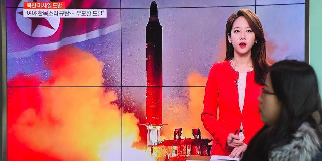 La Corée du Nord a envoyé son cadeau de bienvenu à Donald Trump (un missile en mer du Japon)