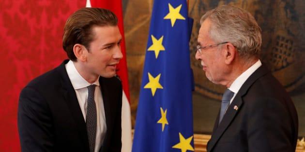 Austria's President Alexander Van der Bellen and leader of the People's Party (OeVP) Sebastian Kurz shake hands after a media statement in Vienna, Austria, October 20, 2017. REUTERS/Heinz-Peter Bader