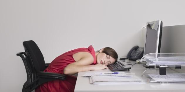 """Plus de 40% des Français ont une """"petite manie"""" au travail"""
