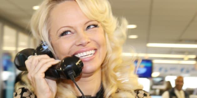 Pamela Anderson avait offert à Melania Trump une fausse fourrure écologique, en février 2017.