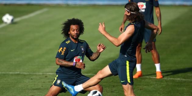 Marcelo (à esquerda) ou Filipe Luis? Tite ainda não definiu qual dos dois será o lateral-esquerdo contra o México, na segunda-feira.