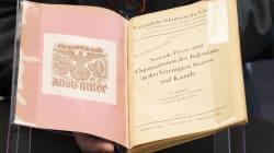 Un livre nazi rare de la bibliothèque d'Hitler arrive à Bibliothèque et Archives