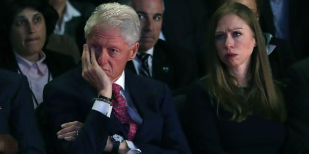 Bill et Chelsea Clinton le 26 septembre 2016 lors du premier débat entre Hillary Clinton et Donald Trump